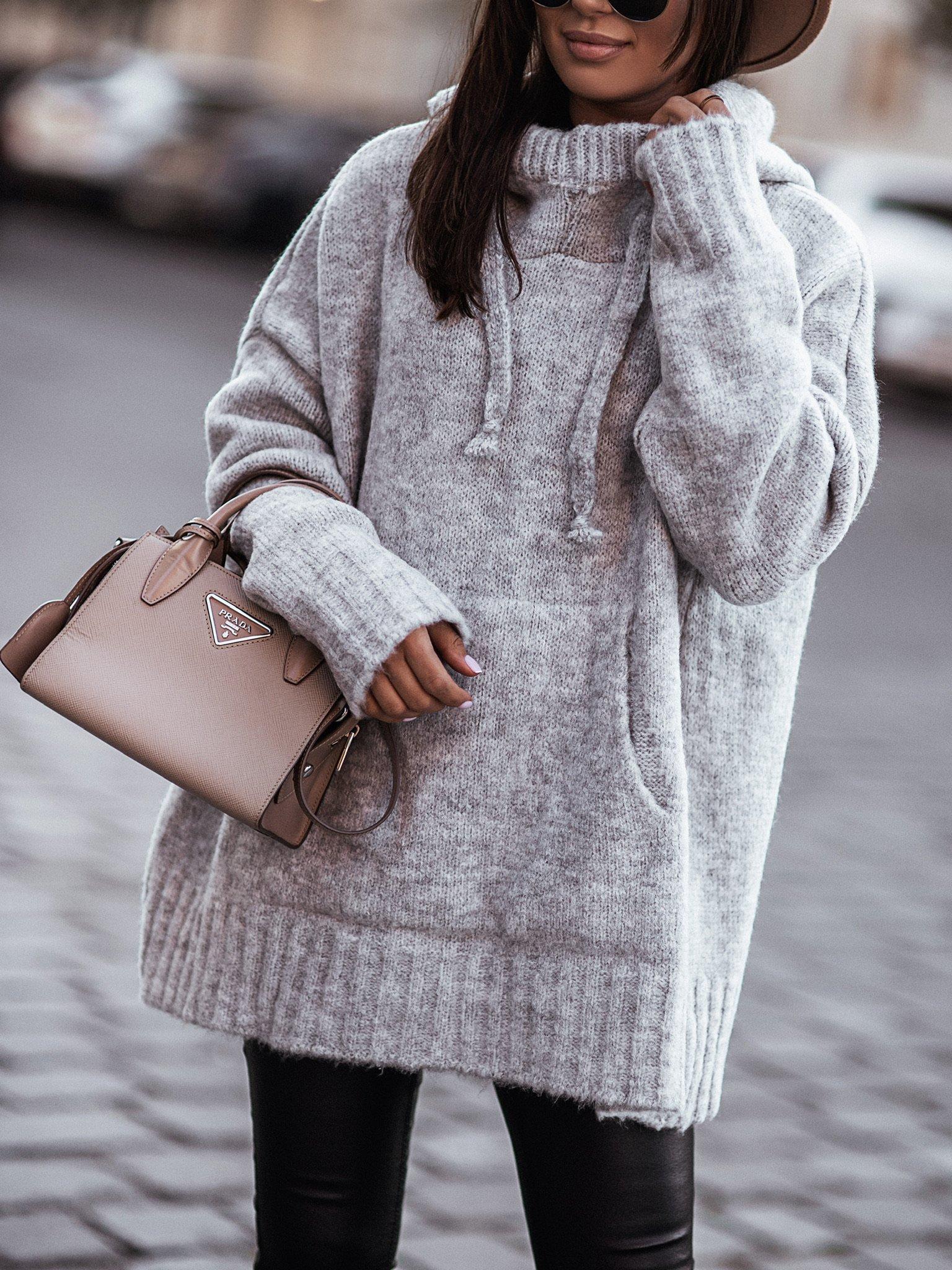 Sweter oversize z kapturem by Varlesca grey