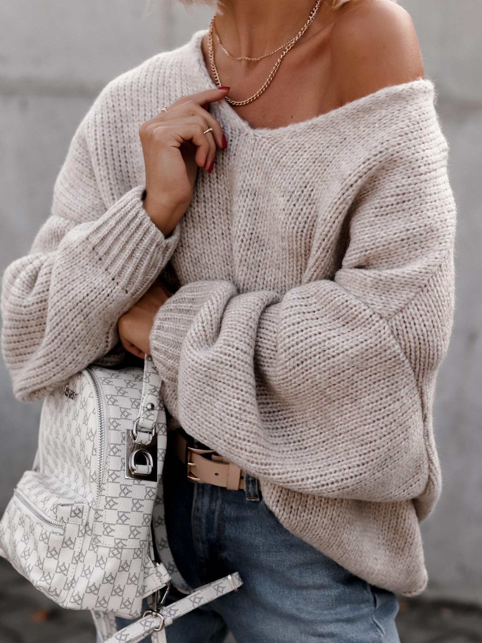 25.10 Sweter Cesillo V melanżowy beż